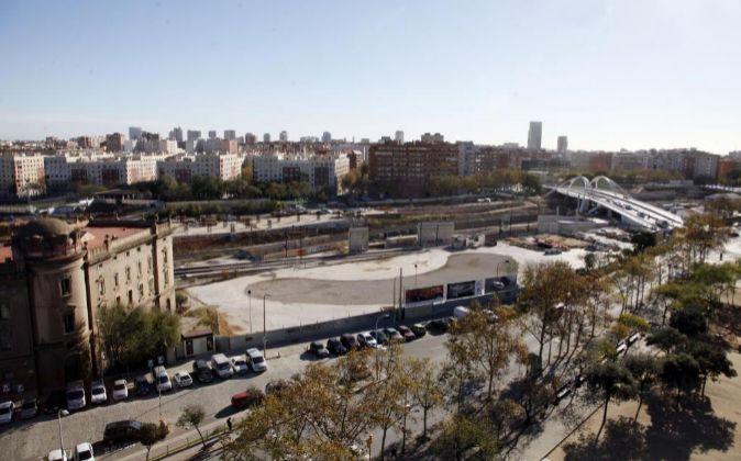 Los terrenos donde tiene que alzarse la futura estación ferroviaria...