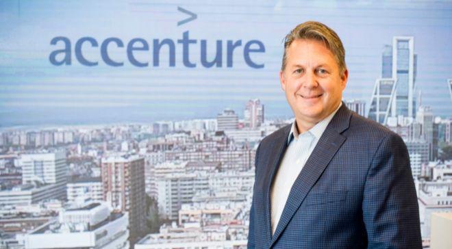 Mike Sutcliff dirige Accenture Digital, un área que factura 9.100...