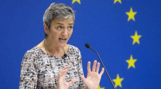 La comisaria europea de Competencia, Margrethe Vestager, comparece en...