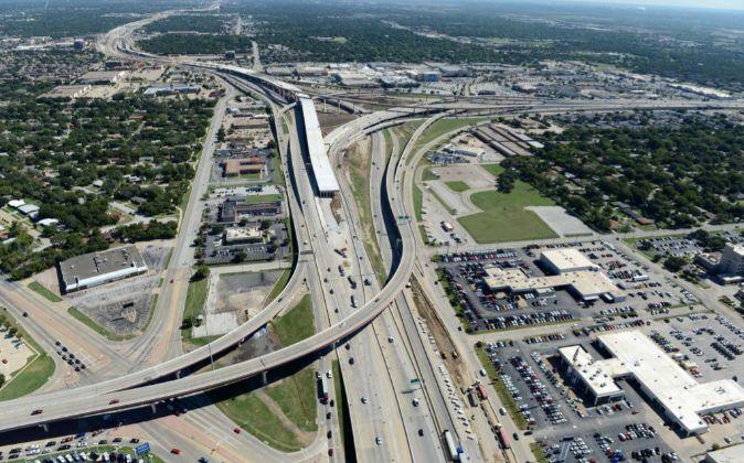 Construcción de la autopista NTE (North Tarrant Express) en Texas,...