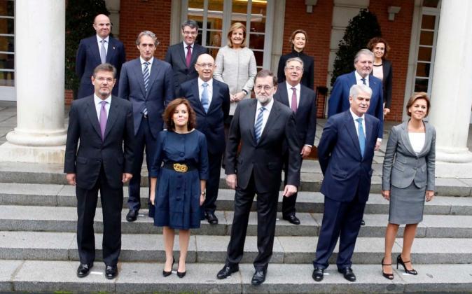 El nuevo gabinete de Rajoy en la foto de familia de la escalinata del...