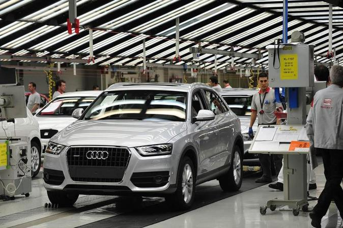 La recién inaugurada fábrica de Audi en Puebla (México) donde...