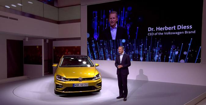 Herbert Dïess, consejero delegado de la marca Volkswagen, en la...