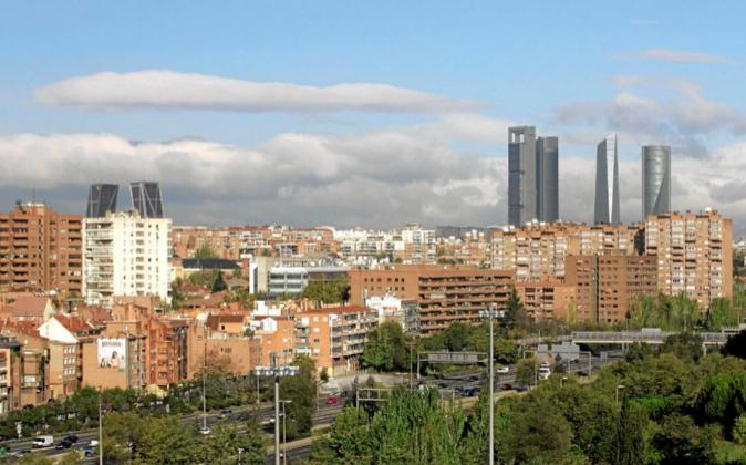 Vistas de Madrid. Torres de la Puerta de Europa en la Plaza de...