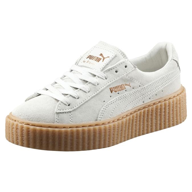 Cantante Es Una Rihanna Por La 'zapato Del Año' Diseñada El Zapatilla NO0w8nyvm