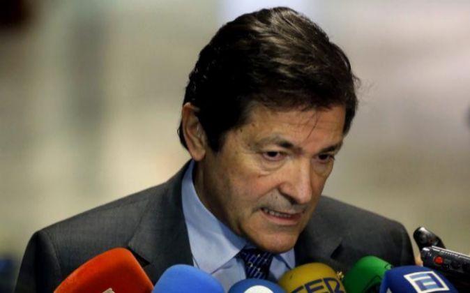 El presidente de la gestora del PSOE y presidente del Principado...