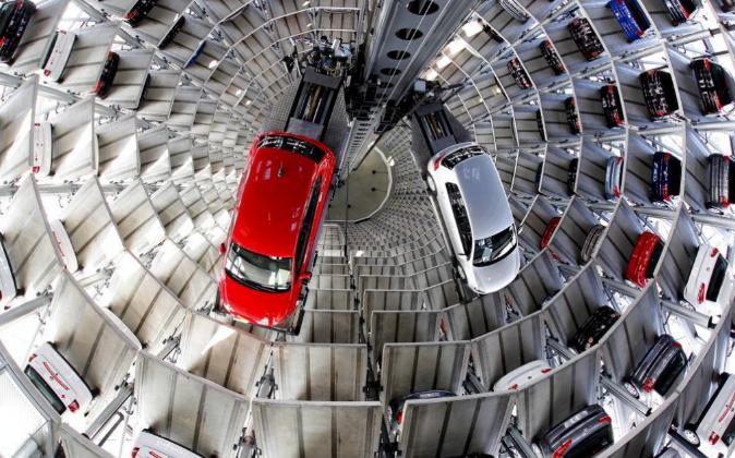Coches de Volkswagen en una fábrica en Wolfsburg, Alemania.