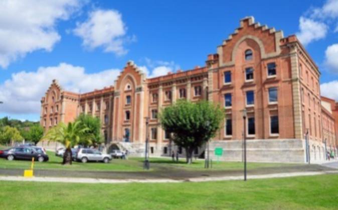 Centro universitario de la Universidad de Extremadura en Plasencia.