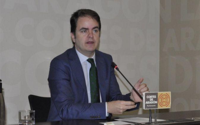 Roberto Bermúdez de Castro, ya exdiputado de las Cortes de Aragón.