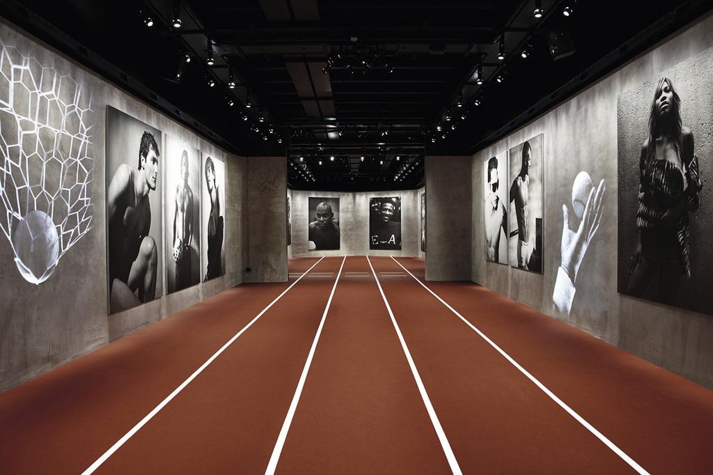 new style 09013 e27e8 Sala de exposición del Museo Armani/Silos. | Fueradeserie ...