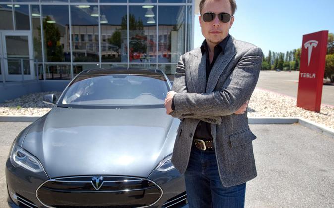 Elon Musk, consejero delegado de Tesla, en la fábrica de Nevada....