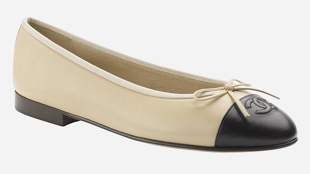 Bailarinas de Chanel disponibles con descuento con motivo del Black...