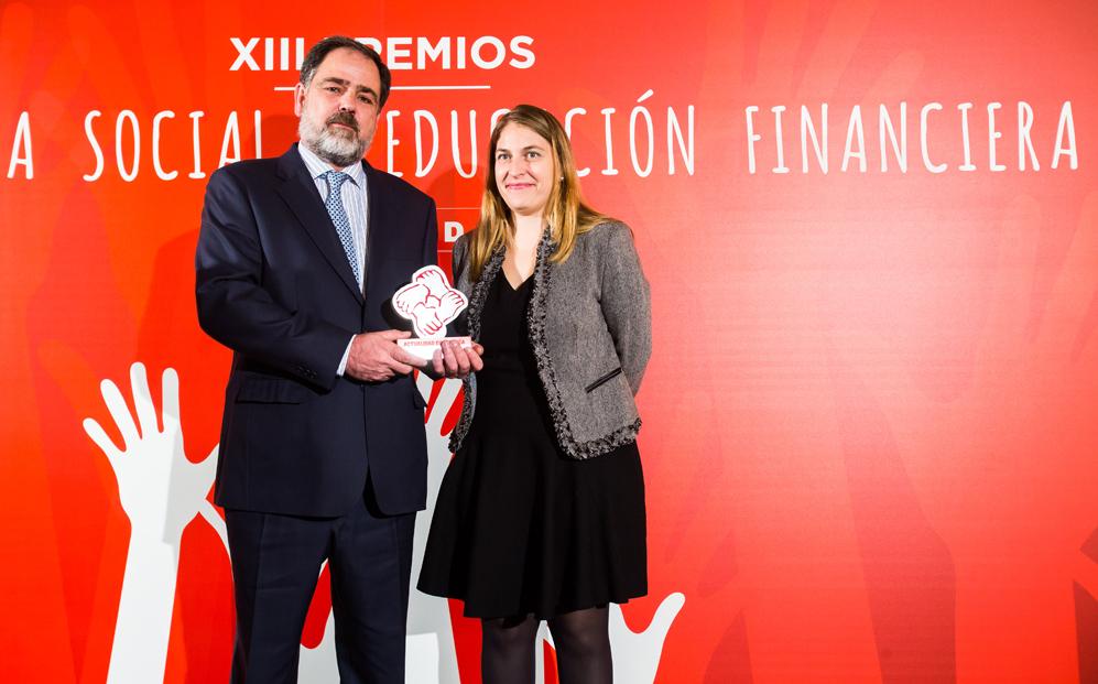 EDUCACIÓN E INVESTIGACIÓN: Segundo Premio. Fundación Montemadrid...