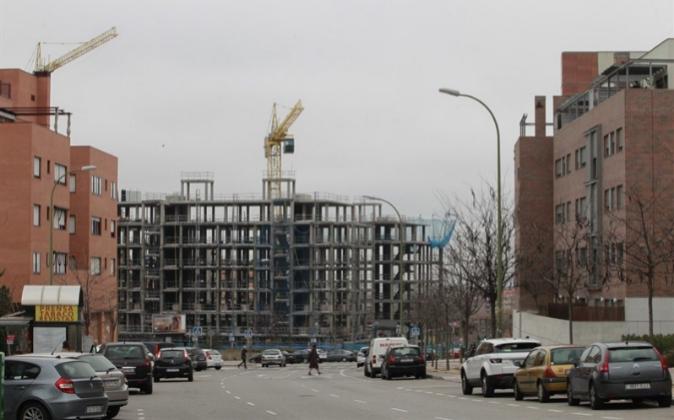 Fotografía de archivo. Construcción de bloque de pisos.