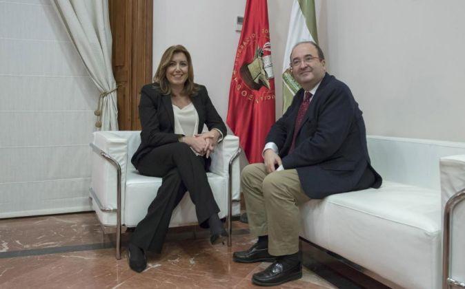 La presidenta andaluza, Susana Díaz, y el líder del PSC, Miquel...