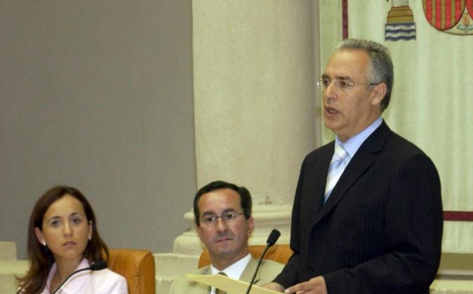El presidente del Parlamento de La Rioja y exalcalde de Villoslada de...