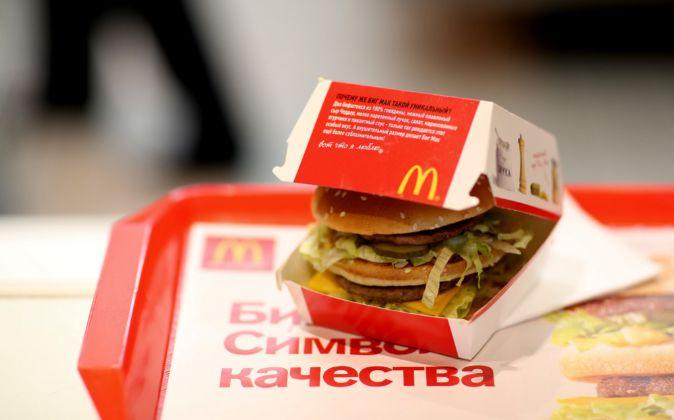 Una hamburguesa Big Mac en un restaurante de McDonald's en Moscú