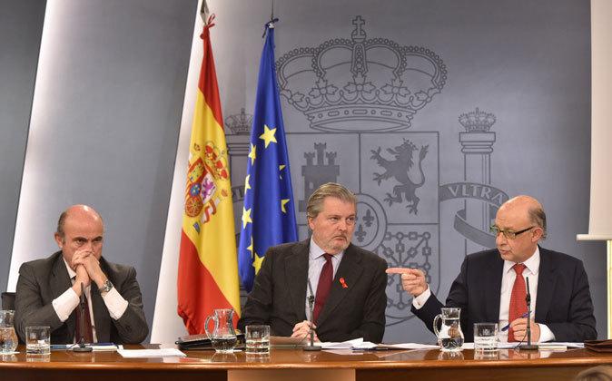 Luis de Gunidos, Íñigo Méndez de Vigo y Cristóbal Montoro, en la...