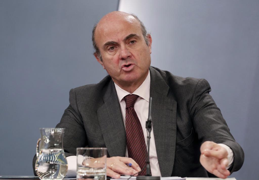 El ministro de Economía, Industria y Competitividad, Luis de Guindos,...