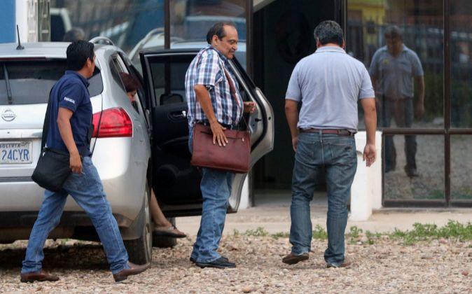 Gustavo Vargas Gamboa (centro), director general de Lamia