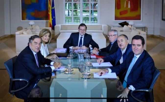 Imagen de la última reunión del presidente del Gobierno, Mariano...