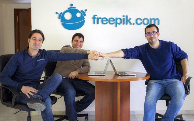 Los socios de Freepik Pablo Blanes, Joaquín Cuenca y Alejandro...