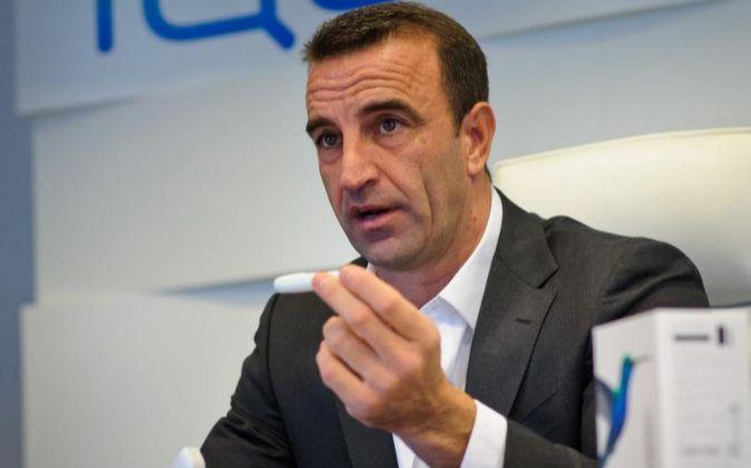 Mario Masseroli, director general de Philip Morris para España y...
