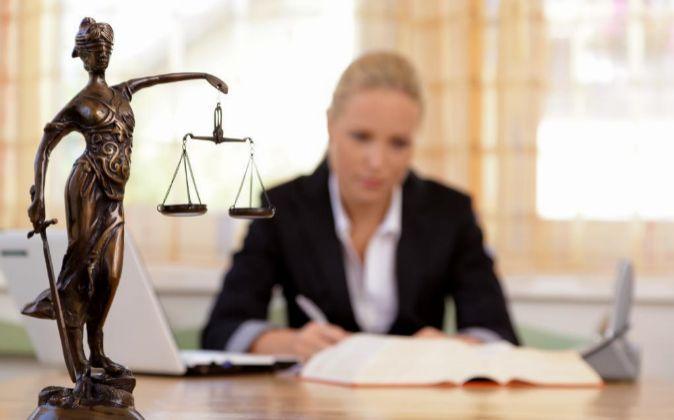 El 'compliance officer' implanta modelos de prevención de...