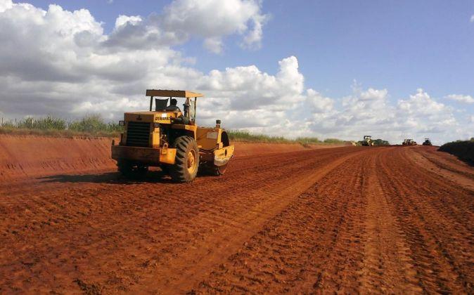 Proyecto de pavimentación y asfaltado en el que participa la empresa...
