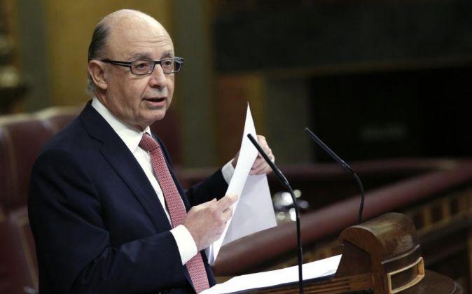 E ministro de Hacienda, Cristóbal Montoro,en el Congreso de los...