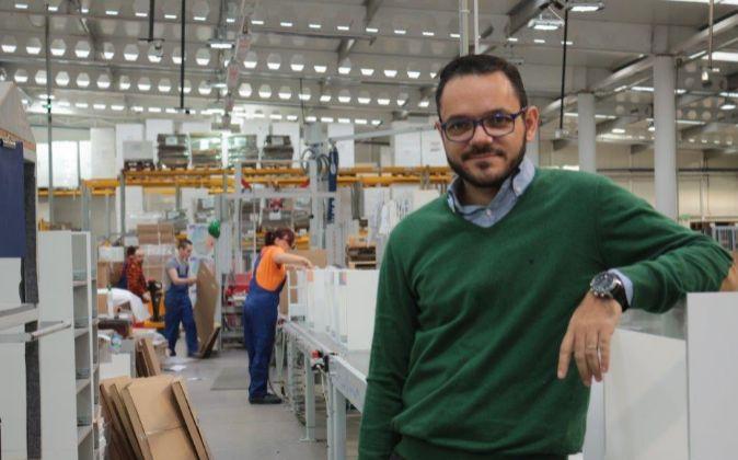 Raúl Royo, consejero delegado de Royo Group, en la factoría de...