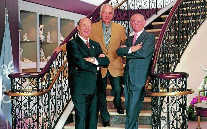 uan (nacido en 1926), José (1928) y Vicente (1932). Los tres hermanos...