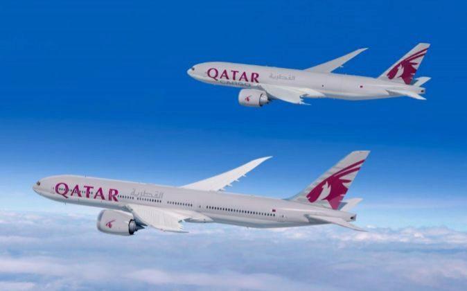 Fotografía facilitada por Boeing, en la que se muestran dos Boeing de...