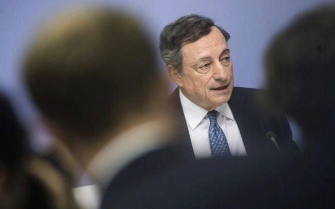 Mario Draghi, presidente del BCE, al término de la reunión del...