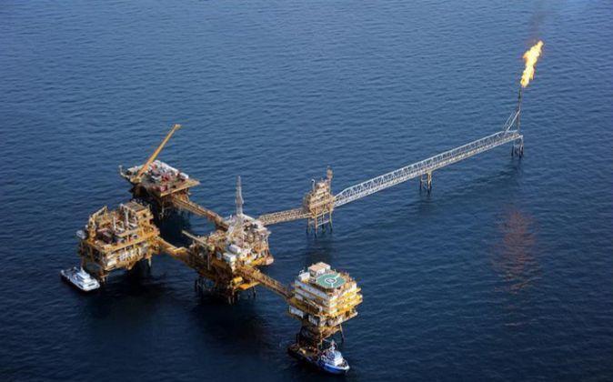 Imagen de una plataforma petrolífera en Irán