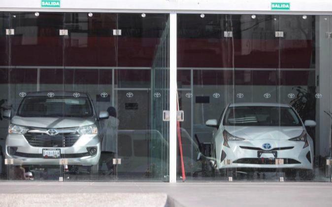 Coches de Toyota en un concesionario