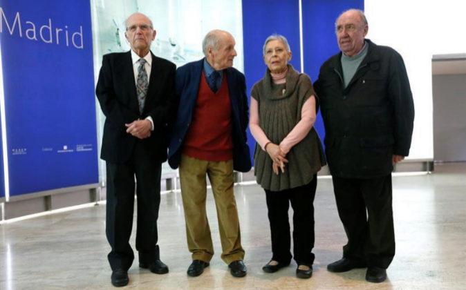 De derecha a izquierda: el fallecido Francisco López, su mujer...