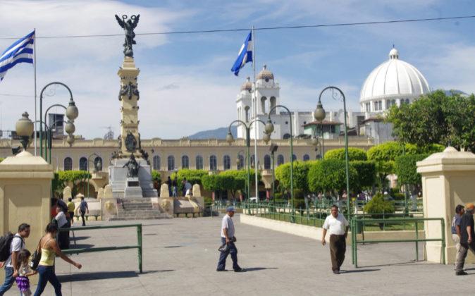 Plaza de la Libertad en San Salvador