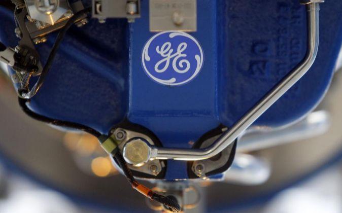 Logo de GE en un motor de un avión. Photographer: Paul...