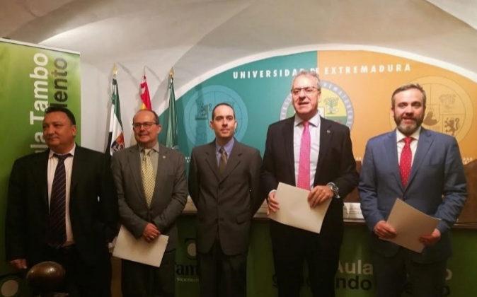 Presentación becas Tambo-Uex en Cáceres.