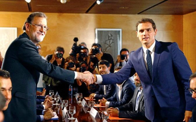 Imagen de archivo en la que el presidente del Gobierno, Mariano Rajoy...