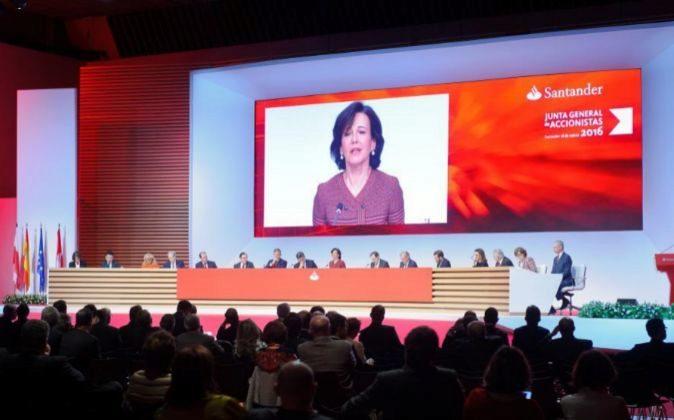 Imagen de la última junta de accionistas de Santander