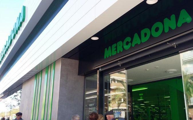 Supermercado de Mercadona del nuevo diseño, en Sagunto (Valencia).