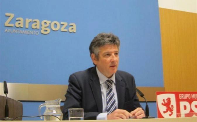 El concejal del grupo del PSOE en el Ayuntamiento de Zaragoza, Javier...