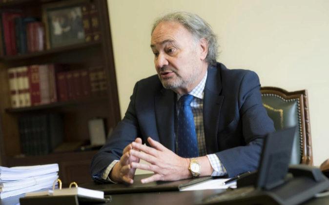 El presidente del Consejo General de Procuradores de España, Juan...