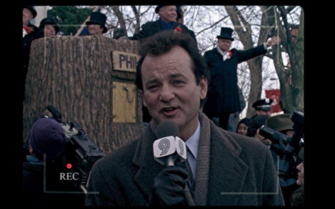 Bill Murray como reportero que retransmite este acontecimiento en la...