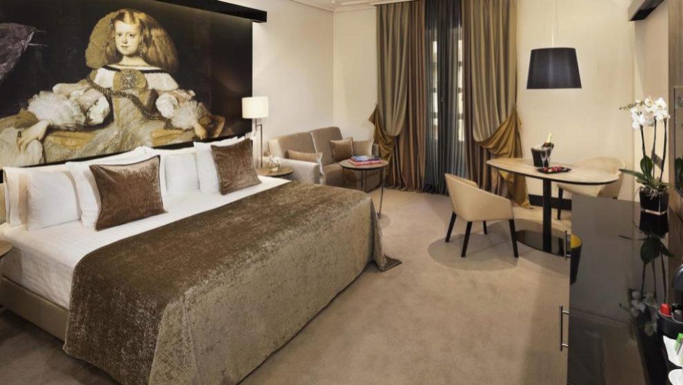 Imagen de una de las habitaciones del Hotel Palacio de los Duques, el...