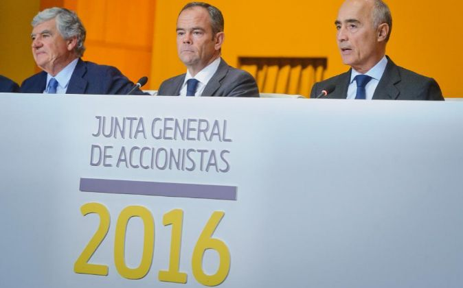 Junta de accionistas de Ferrovial de 2016. En la imagen, Santiago...