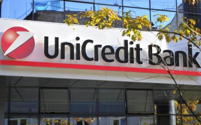 Vista de una sucursal de UniCredit.