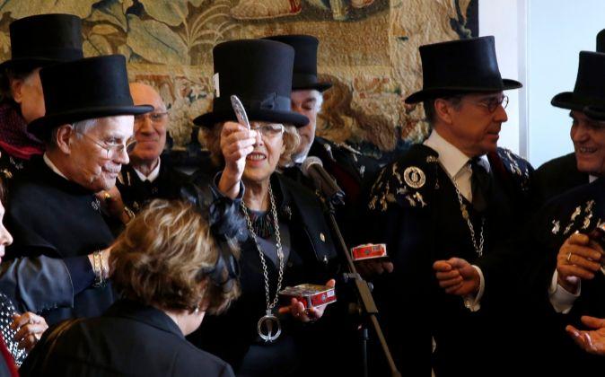 La alcaldesa de Madrid, Manuela Carmena, durante el 'Entierro de...